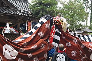 髙田神社獅子舞