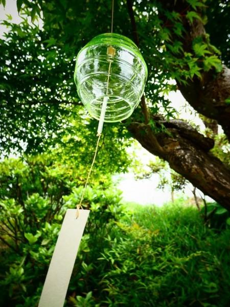 ウランガラスで風鈴作り体験
